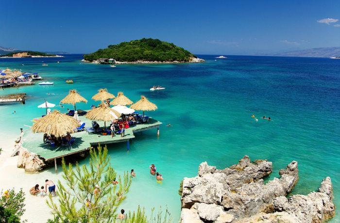 Отдых в Албании: выручка от туризма выросла на 12% за 3 квартала 2018 года