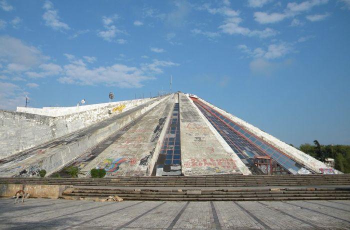 """Албанская """"Пирамида"""" превратится в крупнейший IT-центр в регионе"""