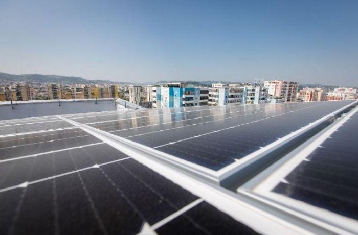 Албанцы стали реже использовать возобновляемые источники энергии