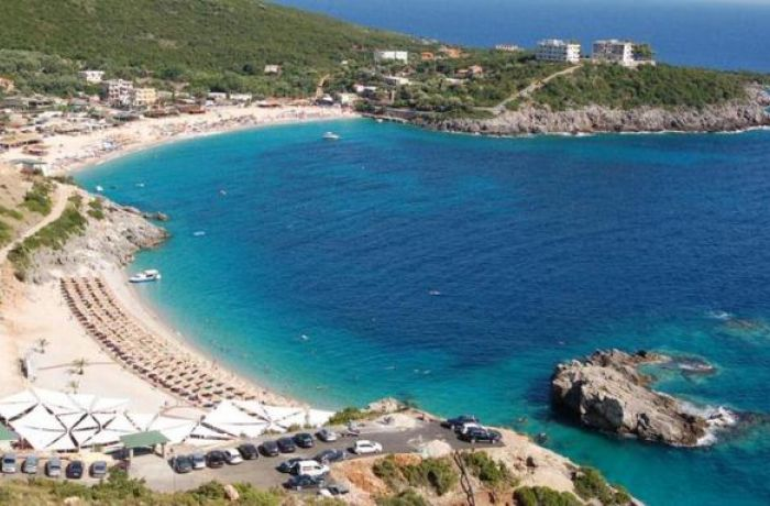 Отдых в Албании: туристическая отрасль фиксирует двузначный рост штата и зарплат