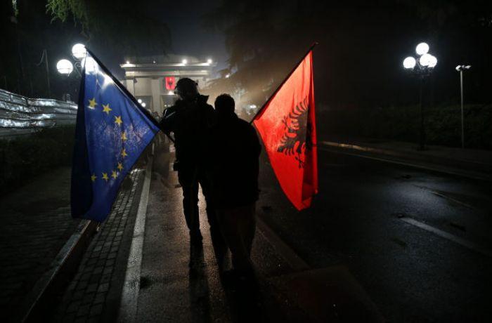 ЕС начнет переговоры об интеграции с Албанией и выдаст ей €50 млн. для борьбы с COVID-19