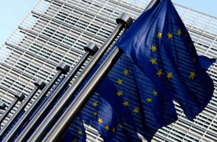Брюссель рекомендует начать переговоры о евроинтеграции с Албанией