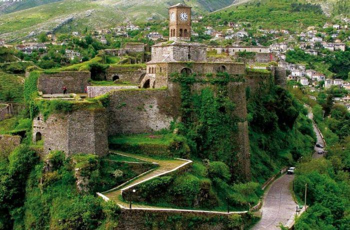 Отдых в Албании 2018 – Больше всего достопримечательностей в Гирокастере