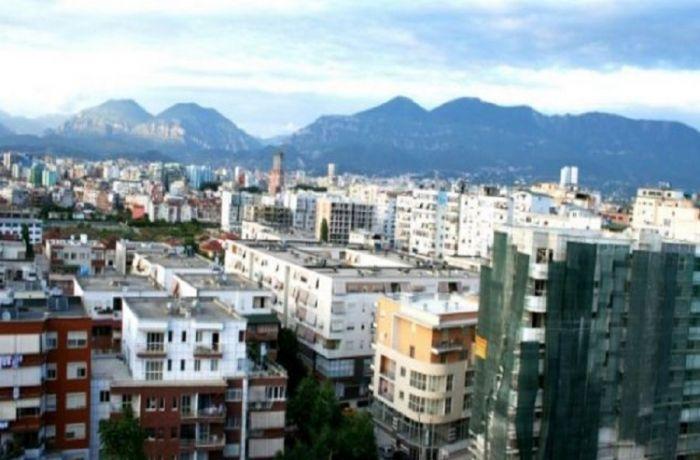Кому не нужно платить новый налог на недвижимость в Албании: от пенсионеров до 5-звездочных отелей