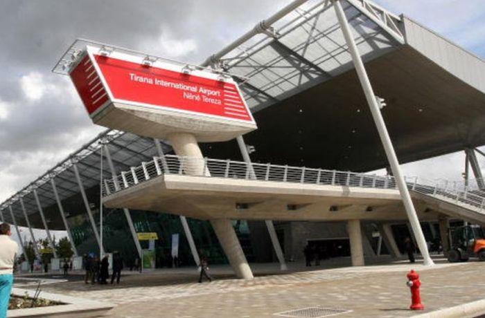 Пассажирооборот аэропорта Тираны в марте снизился на 64%