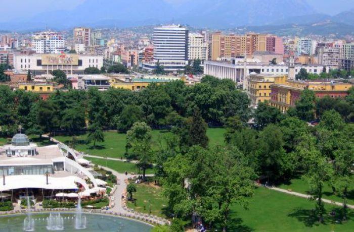 Столичная недвижимость в Албании становится комфортнее благодаря обновлению парков