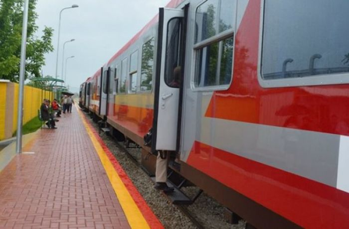 Албания получает грант ЕС на железную дорогу в порт и аэропорт