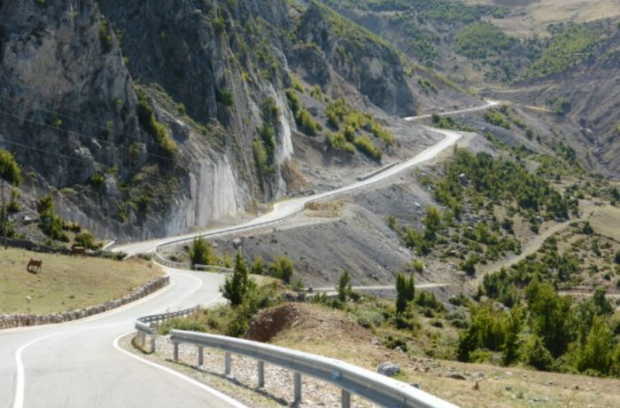 Отдых в Албании 2018: в курортный сезон число грузовиков на дорогах будет ограничено