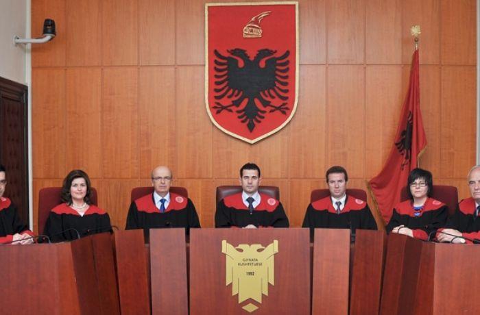Как обстоят дела с верховенством закона в Албании?