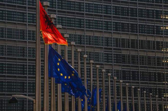 Евродепутаты призывают Албанию выполнить условия вступления в ЕС как можно скорее