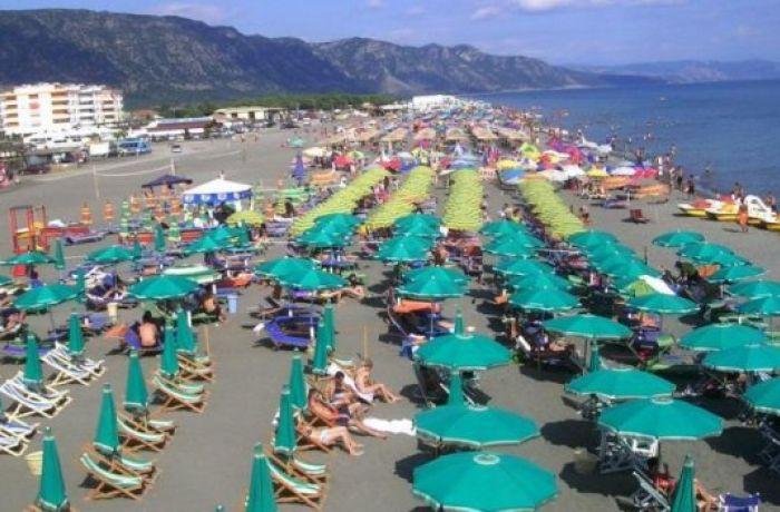Отдых в Албании 2018: как власти борются с псевдо-частными пляжами