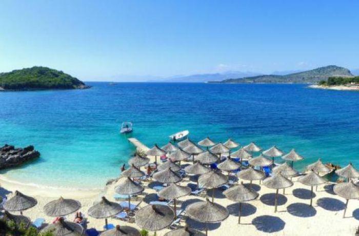 The Sun англичанам: выбирайте для отпуска Албанию вместо греческого Корфу