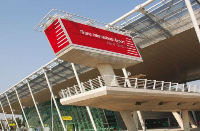 Выручка албанского аэропорта TIA достигла рекордного уровня благодаря притоку туристов