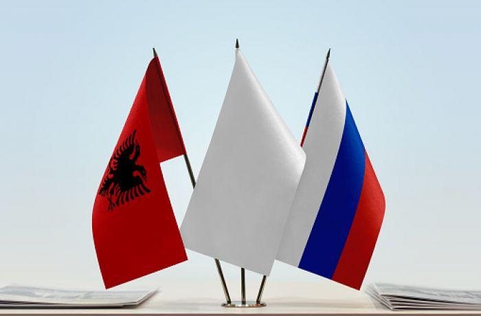 Виза в Албанию для россиян в 2020 году упразднена до 30 ноября