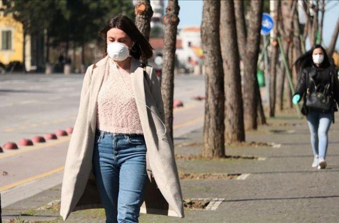 Ношение защитных масок в общественных местах может стать обязательным в Албании
