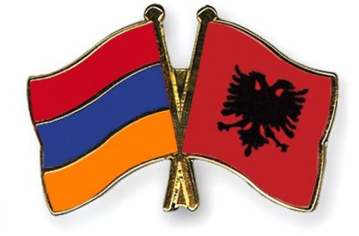 Армения собирается отменить визы для албанских граждан