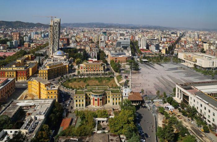 Число иностранных резидентов в Албании увеличилось на 9,7%