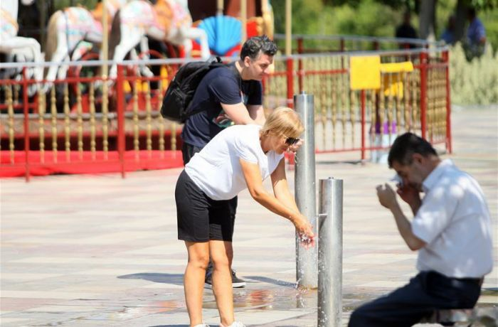 В Албании наступила жара, температура достигла 39 градусов по Цельсию