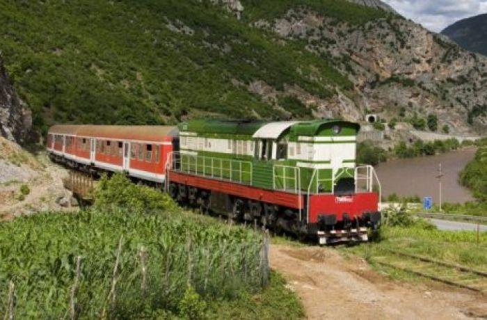 Как проходит восстановление железнодорожной сети в Албании?