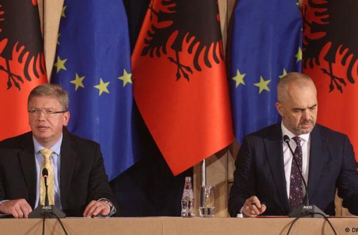 Переговоры о вступлении Албании в ЕС могут начаться в июне 2018 года