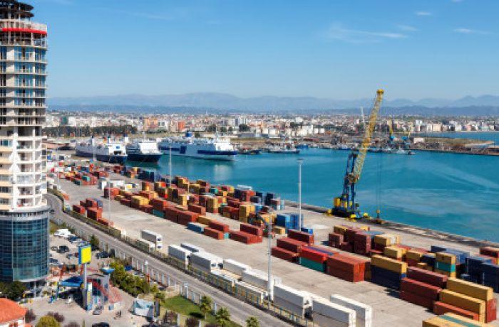 Отчет CCEQ: экономика Албании набирает обороты