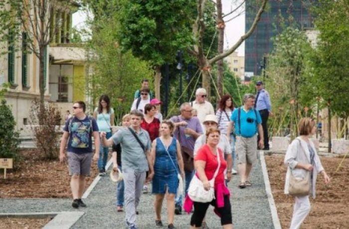 INSTAT: отдых в Албании в сентябре выбрали 0,7 млн. иностранных туристов