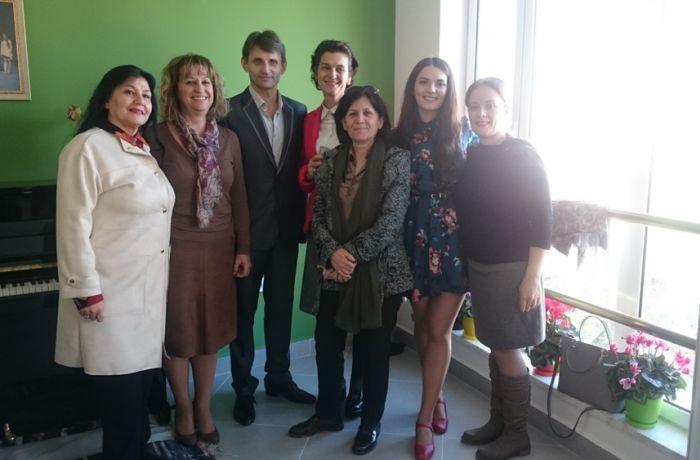 Солисты российского ансамбля Вертоград дали мастер-класс в Тиране