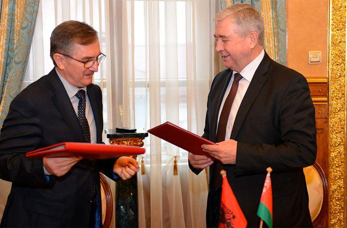 Виза в Албанию белорусам больше не нужна